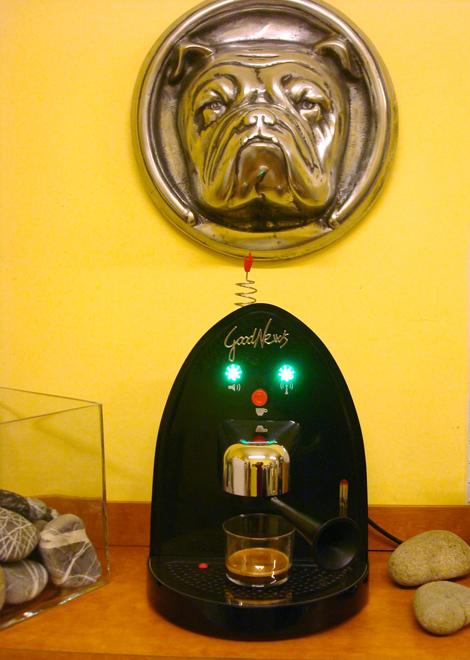 Good News, macchina da caffè Illy con metodo iperespresso