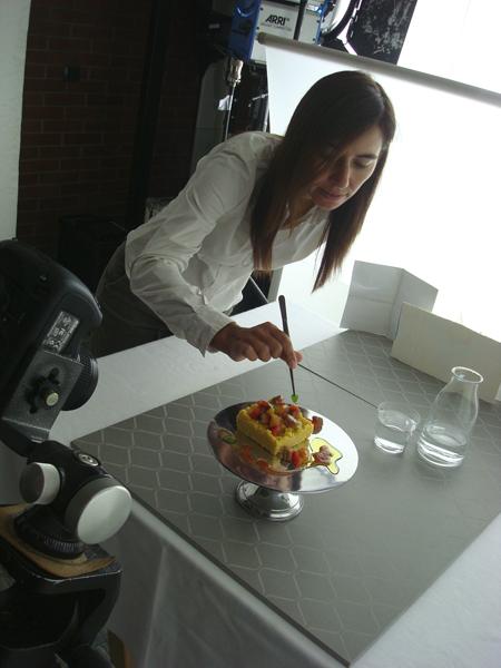Sandra Longinotti sul set fotografico