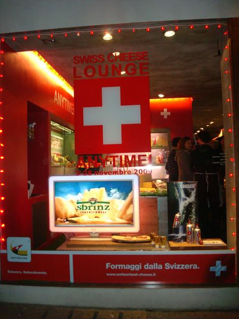 la vetrina di Anytime! la Temporary Swiss Cheese Lounge