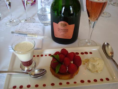 © Comtes de Champagne Rosé 2004 Taittinger e dessert ai lamponi