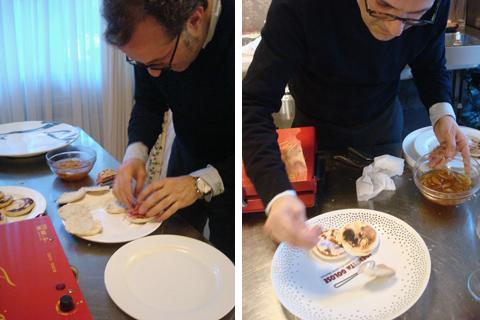 © Massimo Bottura prepara le tigelle e ne dedica un piatto a Paolo Marchi