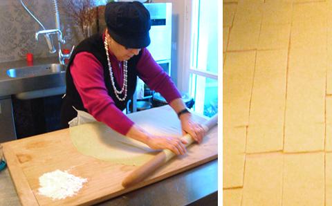 © Lidia Cristoni prepara la sfoglia per i tortellini