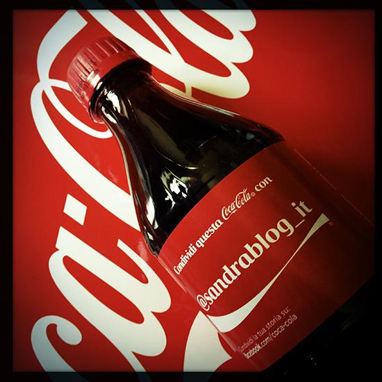 """""""Condividi una Coca-Cola"""" (©foto Strutturafine)"""