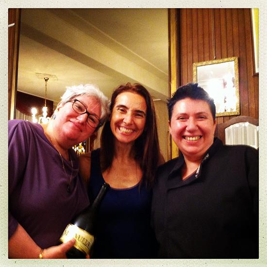 beata fra le sorelle Petrini: a sinistra Fiorenza, a destra Beatrice (©foto Strutturafine)