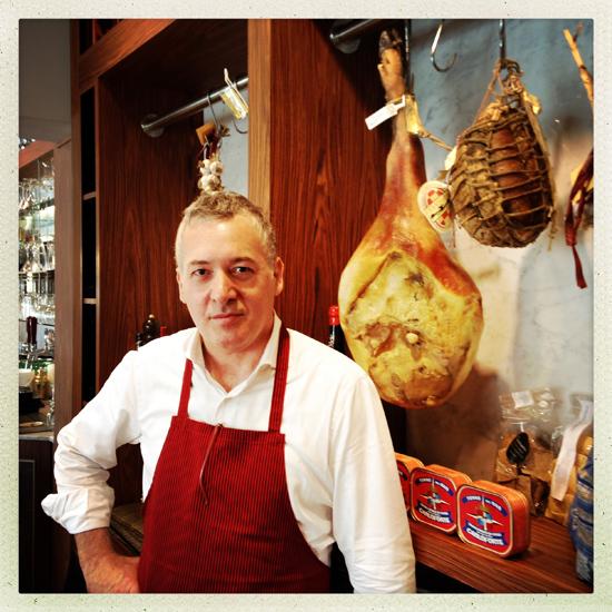 Nereo Ballestriero, titolare della Caffetteria Torinese | ©Sandra Longinotti