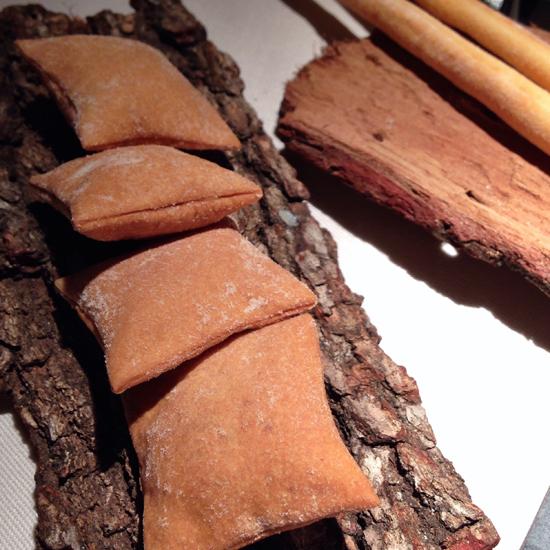 cracker e grissini, ristorante Essenza   ©Sandra Longinotti