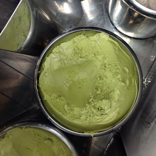 il gelato al matcha nella carapina del carrettino dei gelati Monaka | ©Sandra Longinotti
