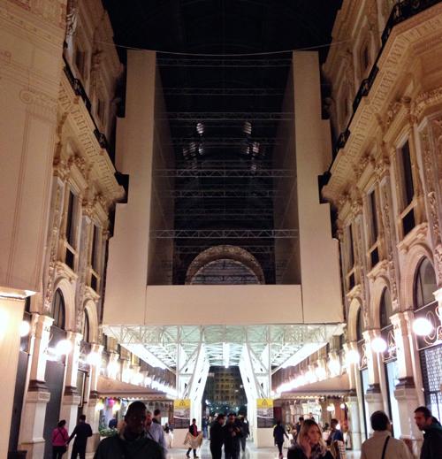 Il Ponteggio mobile per il restauro della Galleria Vittorio Emanuele II a Milano   ©Sandra Longinotti