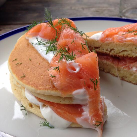 Pancake al salmone, yogurt greco e aneto, Anche Ristorante | ©Sandra Longinotti