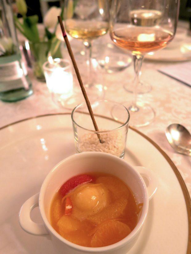 la Zuppa di Agrumi all'Orientale dello chef Pietro Leemann come pre-dessert della Grands Chefs Experience | © foto Sandra Longinotti