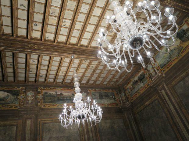looking up al soffitto del salone di Villa Torretta | ©foto Sandra Longinotti