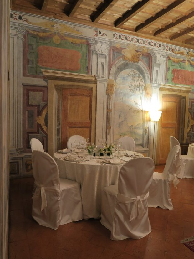 una sala del ristorante nella Villa Torretta | ©foto Sandra Longinotti