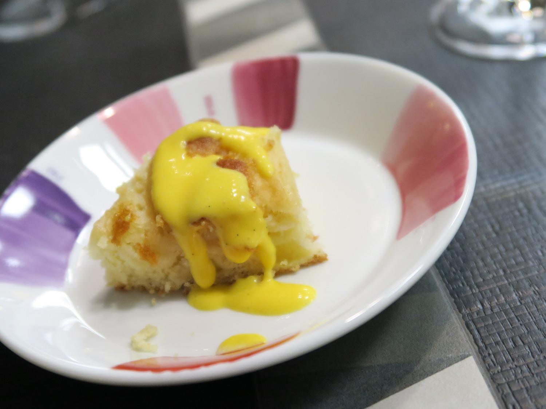 pre-dessert da FILIPPO Pietrasanta, Torta di mele con salsa inglese   ©foto Strutturafine