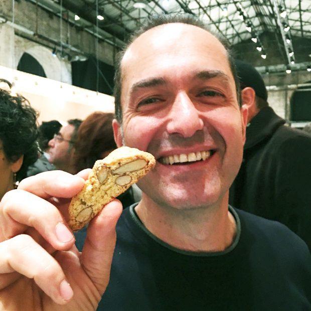 Francesco Pandolfini e il nuovo Cantuccino all'olio extravergine di oliva Deseo / degustazioni top secret a Taste 2016   ©foto Sandra Longinotti