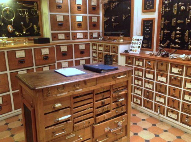 alla Riccardo Barthel c'è una stanza dedicata alle maniglie   ©foto Sandra Longinotti