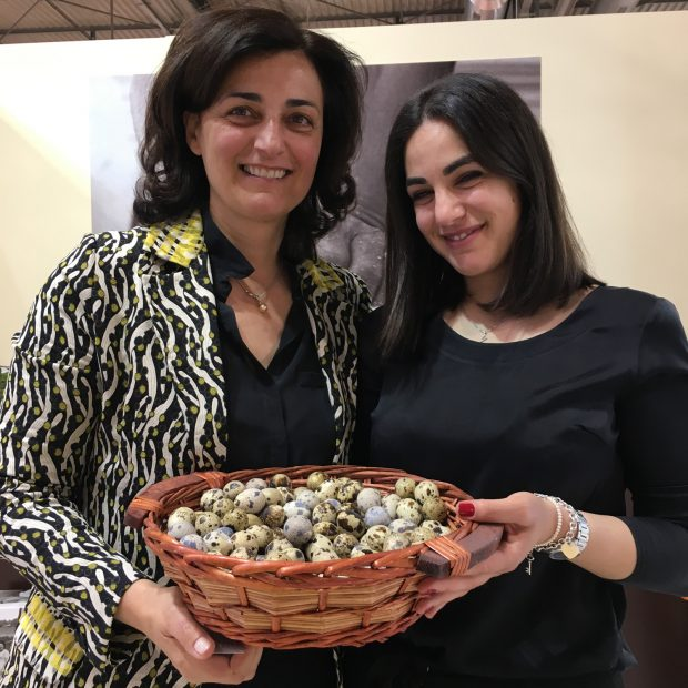 Maria Maranesi, co-owner dell'azienda La Campofilone, con la figlia | ©foto Sandra Longinotti