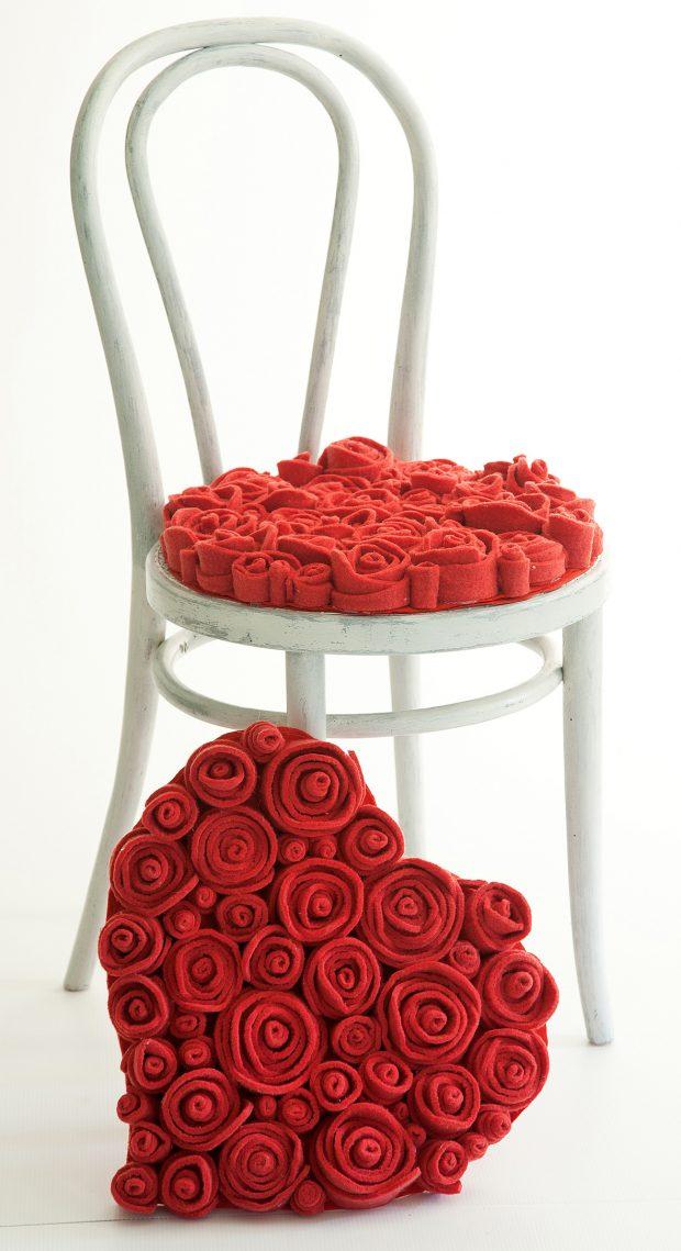Il cuscino di rose in feltro Muchas di 13Ricrea