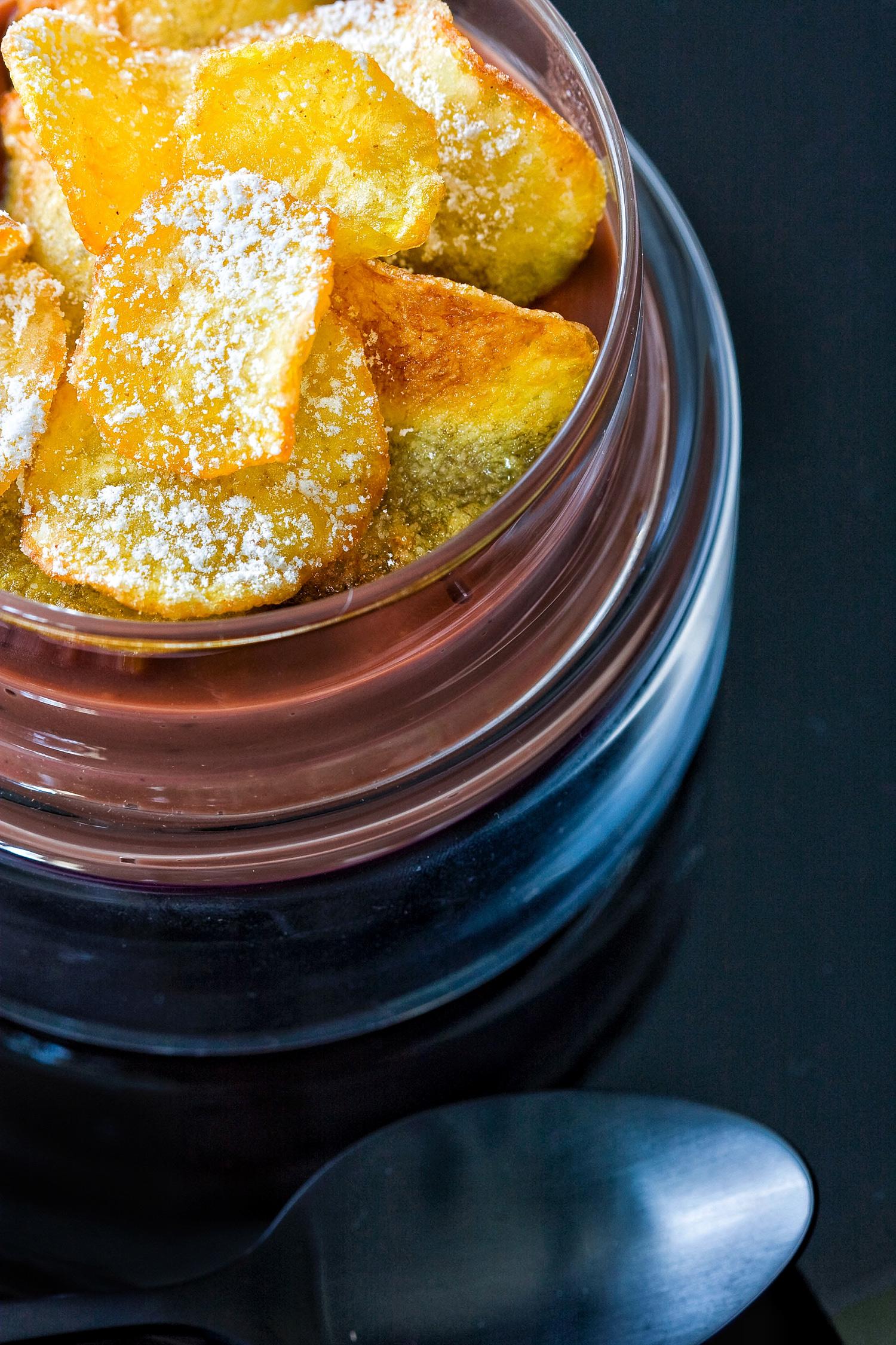 Cioccolata al latte di cocco con chips | ©foto Sandra Longinotti