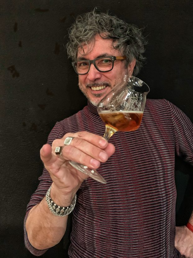 Teo Musso col suo Beermouth and Tonic | ©foto Sandra Longinotti