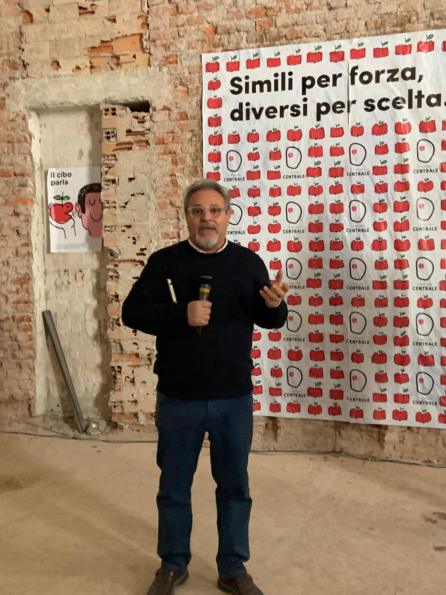 Umberto Montano, Pres. de Il Mercato Centrale, nel cantiere di Milano durante la conferenza | ©foto Sandra Longinotti